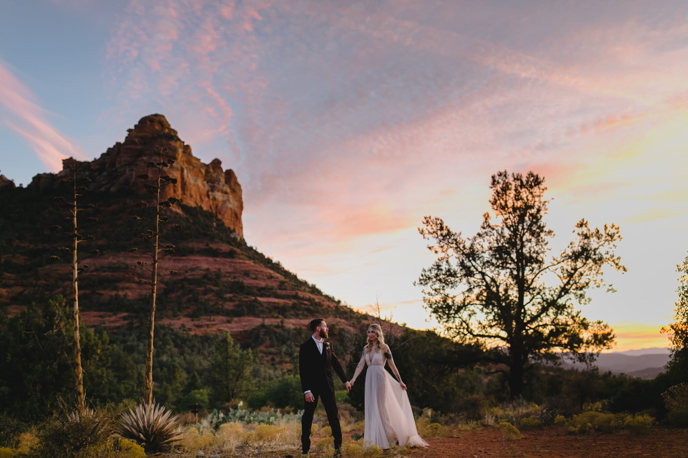 boho elopement in Sedona