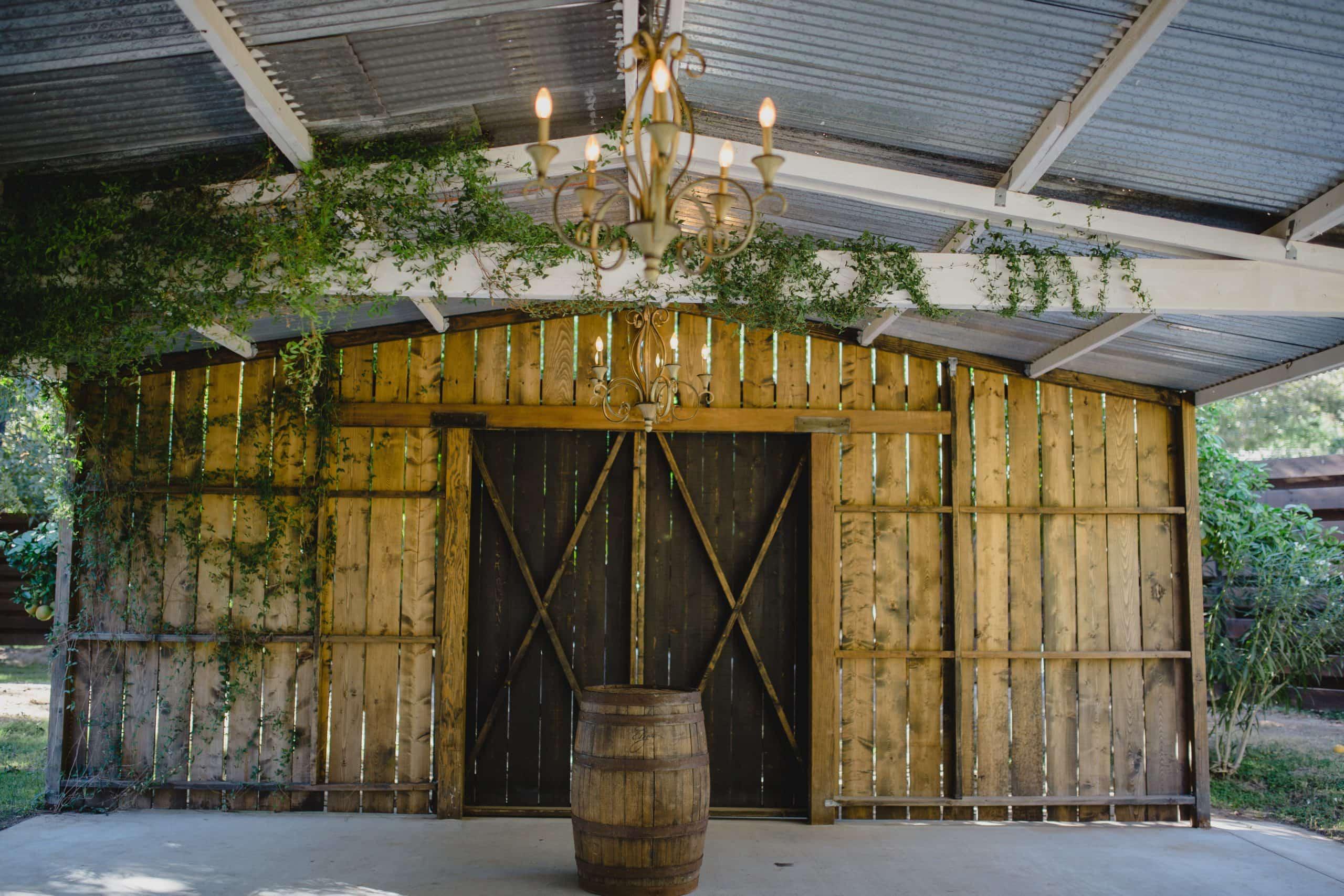green rustic wedding venue in Arizona